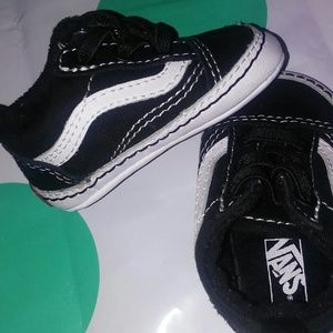 Vans baby shoe